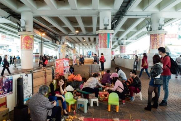 「在華人社會裏面,街道佔有很重要的地位,它不但是一個買賣的地方,更是一個社區消息互通的地方。」鄒崇銘說。