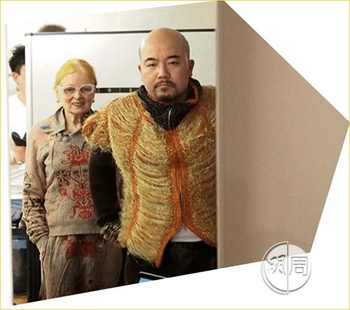 香港的Vivienne Westwood代理對我的特別賞識,再提出不如catwalk到米蘭時,西太后團隊又一次不用開會考慮便點頭!吓,我唔覺意走上了國際天橋!
