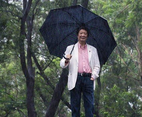 曹宏威(化學教授)