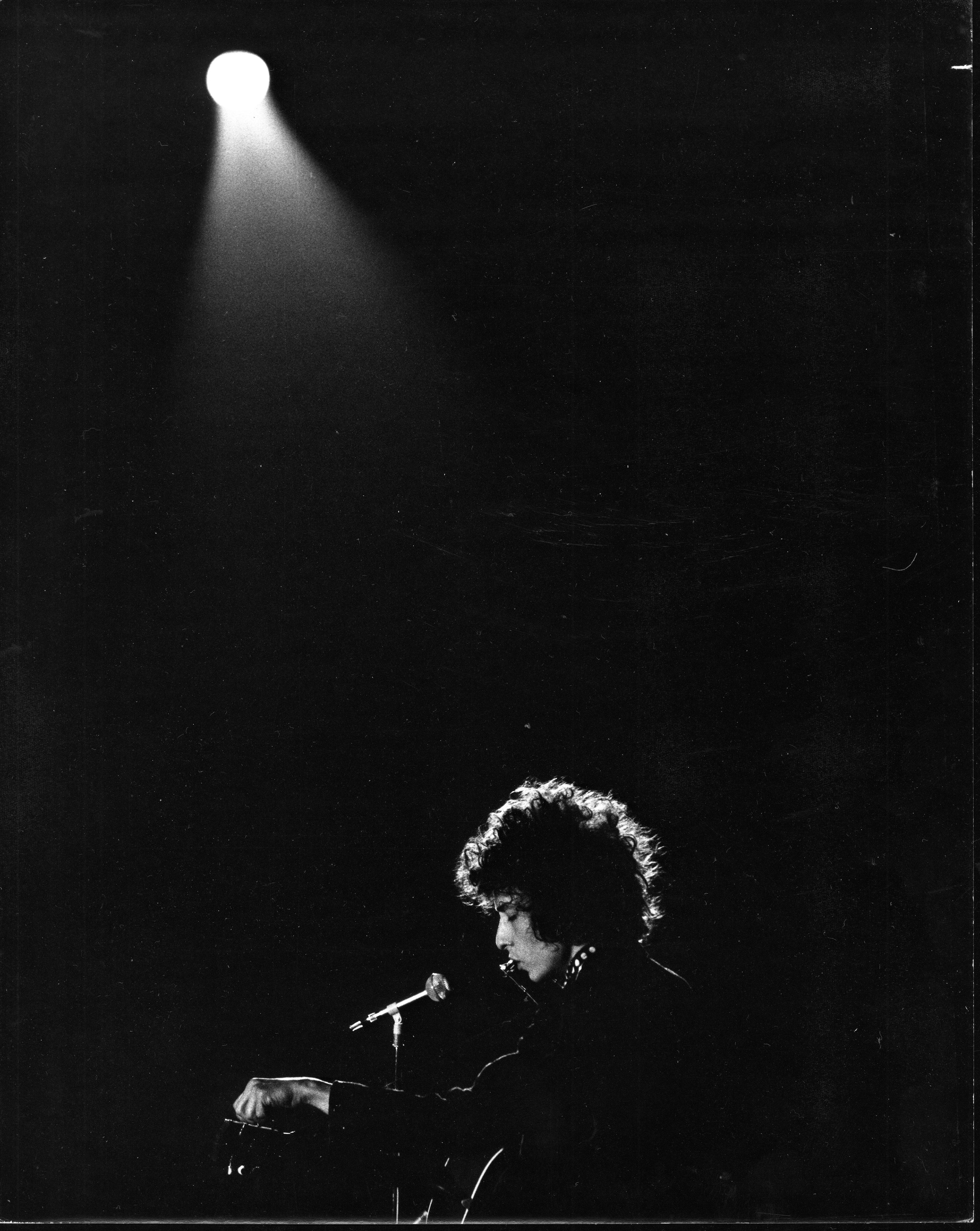 -FILE- U.S. rock singer and poet Bob Dylan performs at the Concert Hall, Stockholm, Sweden, April 29, 1966. Photo Bjorn Larsson Ask / SCANPIX / kod 3022 BETALBILD