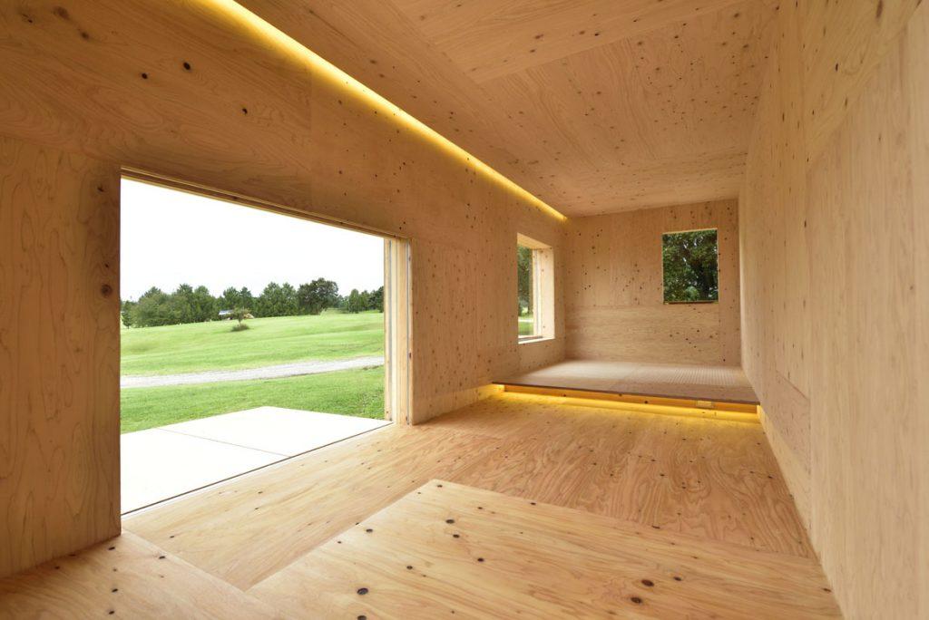 「住箱」的內部設計簡潔而明亮。