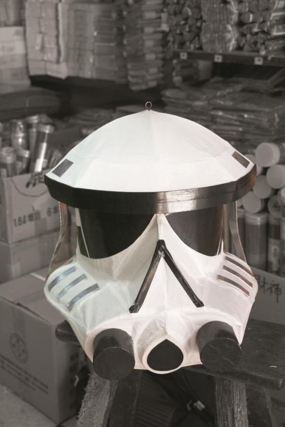 客人預訂的《星球大戰》白兵頭套