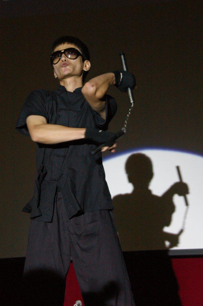 「八十後」影迷陳宗榮說,李小龍的電影與書籍一直影響着他,鼓勵他走自己的路。