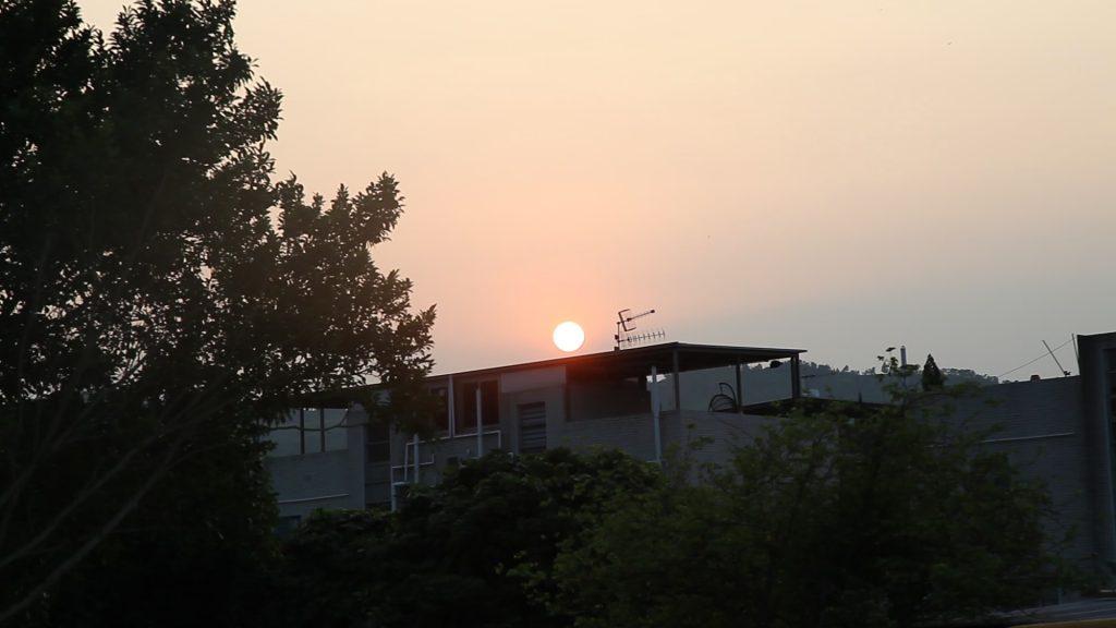 日出而作,日入而息,高婆婆習慣鄉耕生活,自言不能在高廈生活。