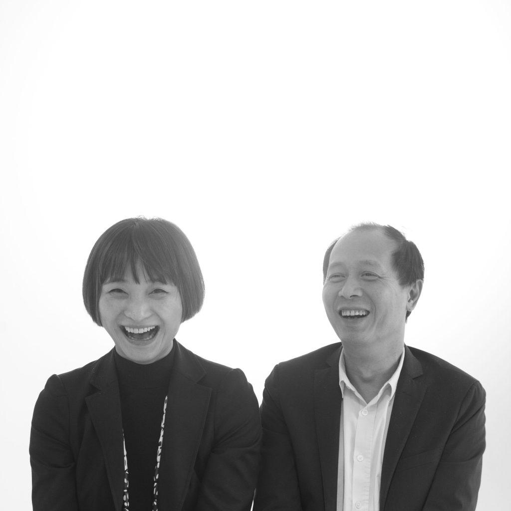 侯瀚如(左)是中國當代藝術的著名策展人,今次他與翁笑雨(右)在兩岸三地尋找相對年輕的藝術家參與這次聯展。