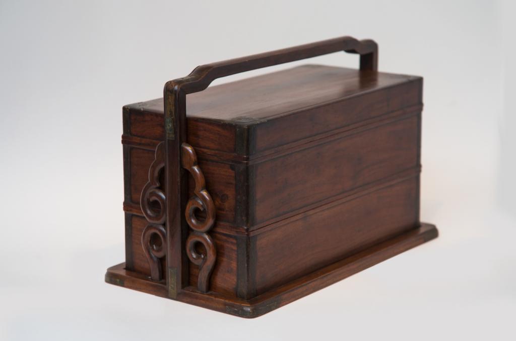 十八世紀蘇州產的花梨木雙層提盒