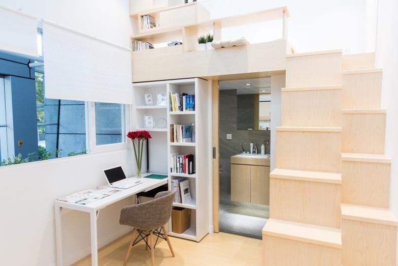 單位屬橫置設計,窗戶寬闊,加上樓底高3.5米,走進去不覺侷促。