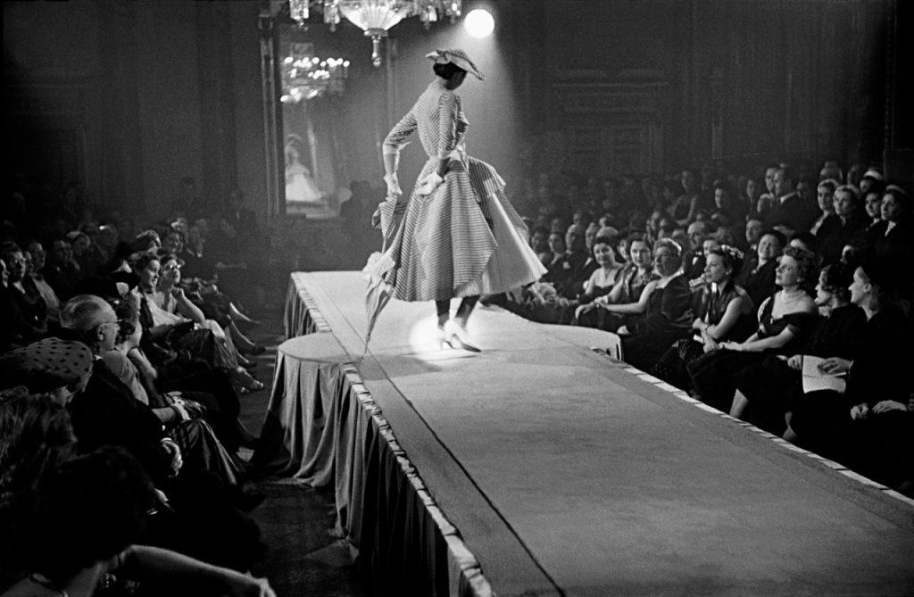 frank-horvat-haute-couture-collections-paris-1951