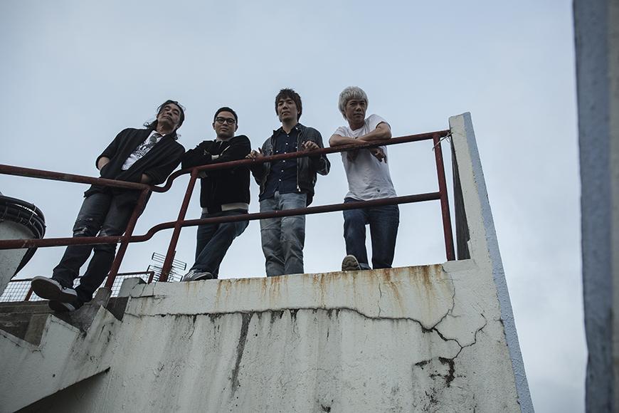 (左起)RubberBand成員阿正、6號、泥鯭、阿偉,剛搬到位於觀塘的新工作室,以自己的公司Rb開展樂隊的新一頁。