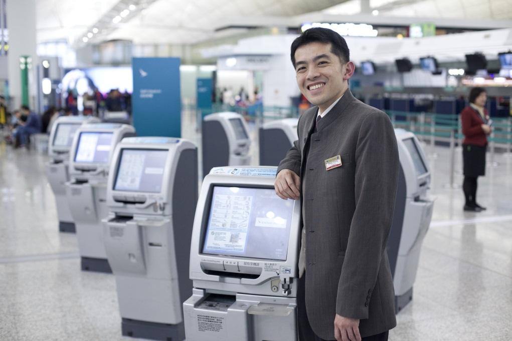 Wesley畢業後第一份工作便是地勤,十二年來在機場見盡不少突發情況。