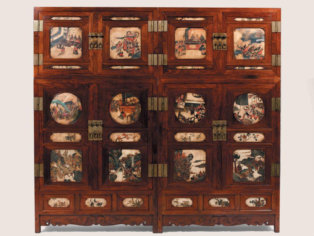十七世紀中國北方頂箱櫃一對。