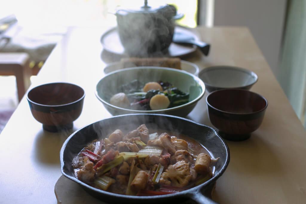 三道菜分別是: 瑪沙拉雜菜、君達菜炒帶子、雨來菇 玉子卷。