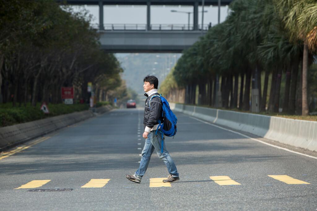 整個東涌都是以行車出發設計,在街上少見行人。