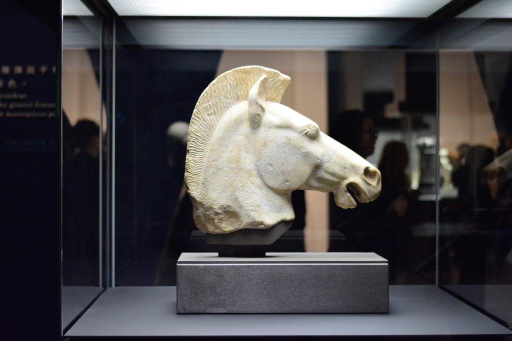 公元前510至前500年的希臘馬首塑像。
