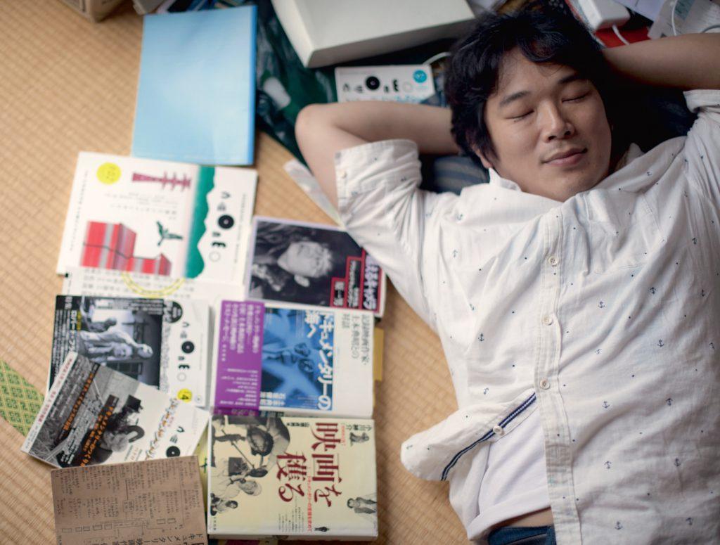 佐藤寬朗「宅男」的自拍騷,一圓導演夢,解開多年鬱結。