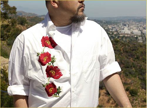 今季這幾件1988花卉圖案恤衫,非買不可的原因除了①是當年願望清單上的高位置;②照片在Google上都搜尋不到地罕有之外,還有個更私人的理由,這件衫當年一個其實完全不相熟但唔覺意影響了我不少的R先生穿過。