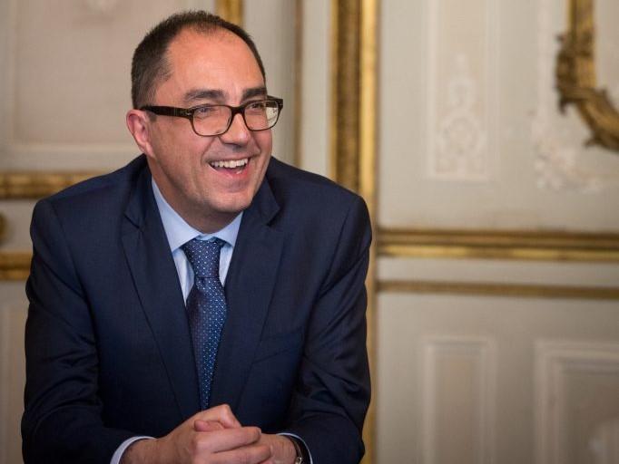 館長Jean-Luc Martinez重視羅浮宮和本土歴史的連繫。