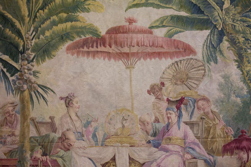 所謂「中國風」掛毯,其實反映了當時法國貴族的生活面貌,以及他們對繁華盛世的想像。
