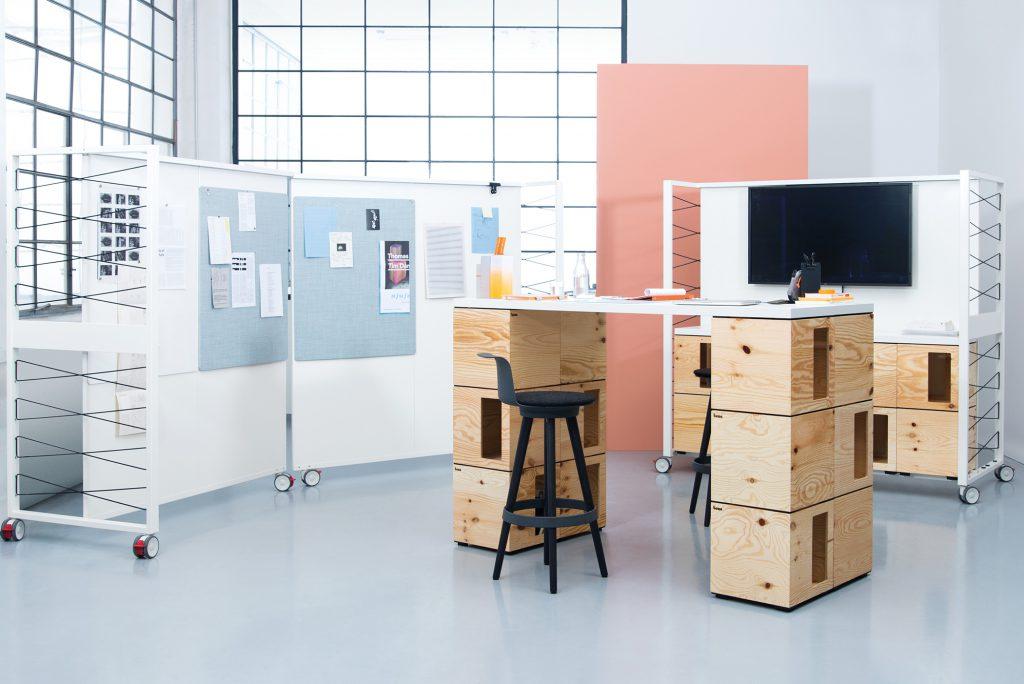 Pixel木箱組件能砌出書桌、椅子等百變傢俬。