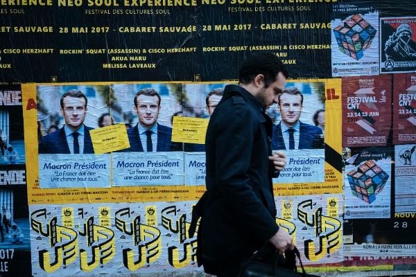 法國公眾對馬克龍的戀情比他倡議的政策更關注。