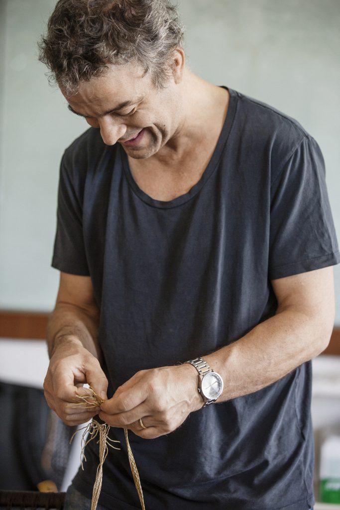 Piet Hein Eek 喜歡親自動手製作傢俬,嫻熟的工藝就是這樣一點一點磨鍊出來。