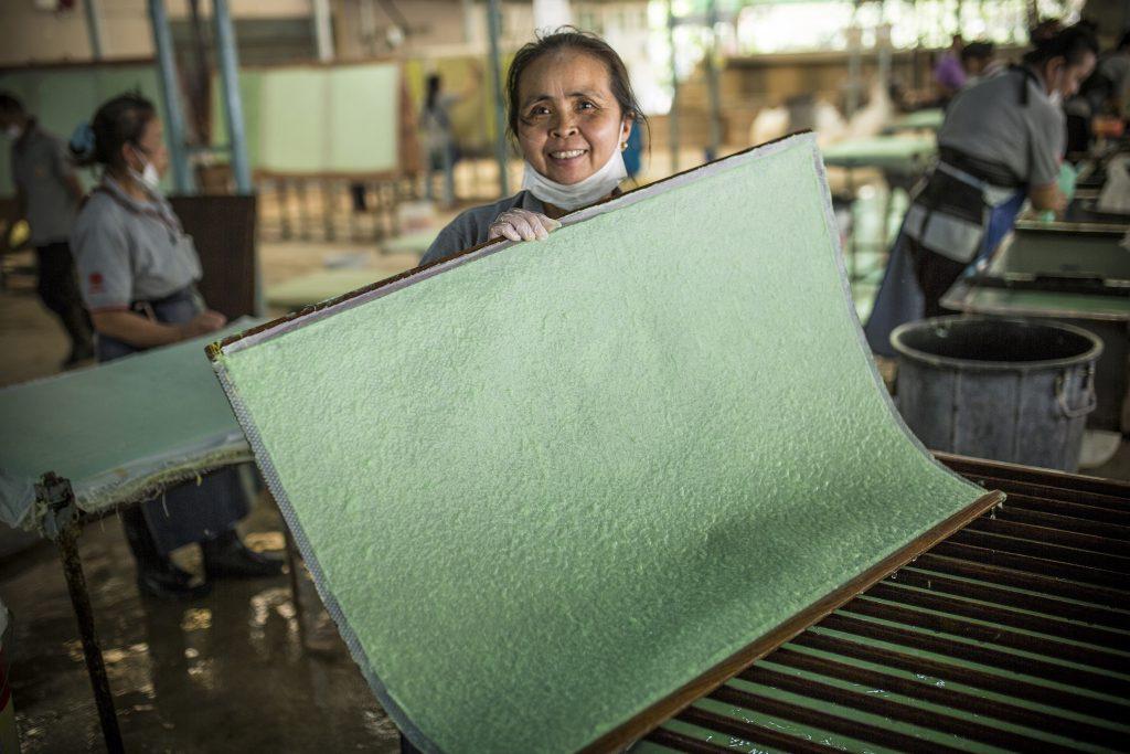 傳統造紙工藝是Doi Tung的拿手技術