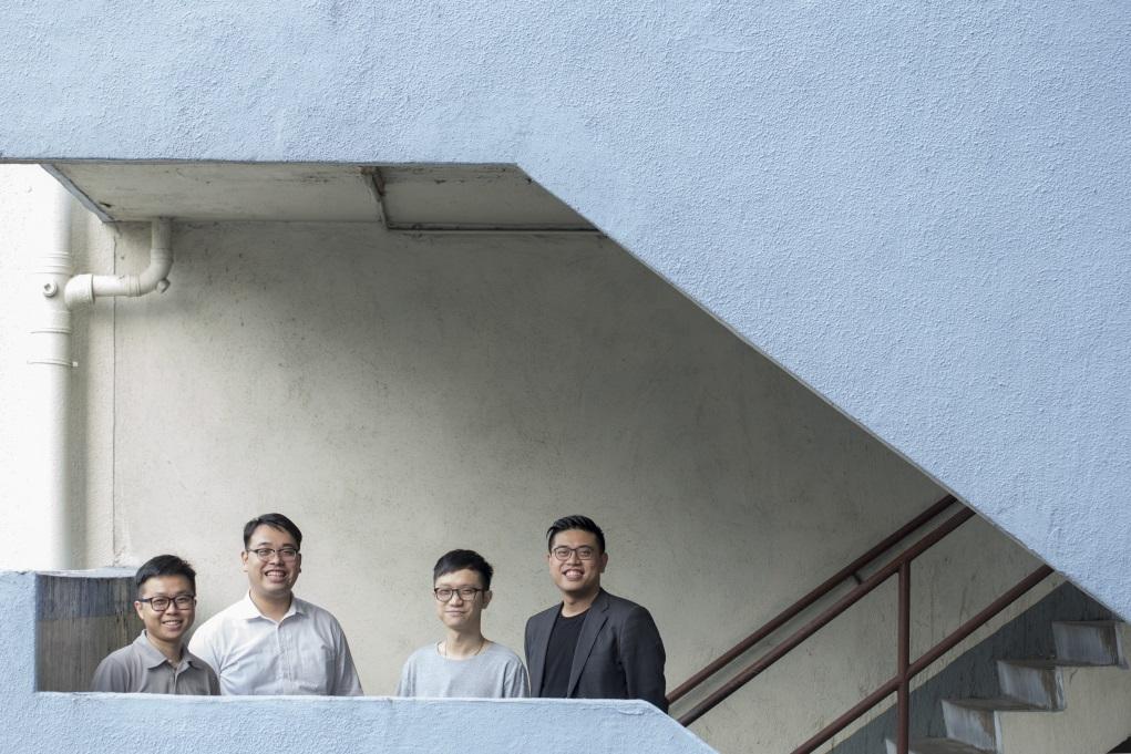 (左起)湯學勤、鄧子傑、巫永充、雷煒程擁有設計、建築及公關背景,共同成立「長屋設計 」,運用發展商捐出剩材,為基層長者設計及裝修家居。