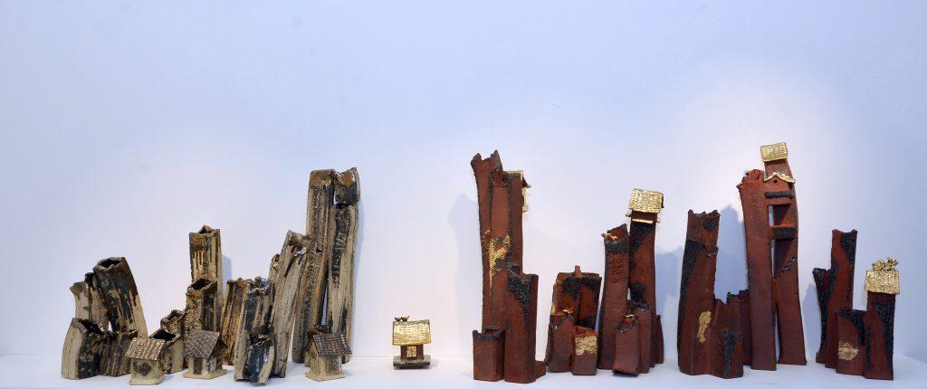 鄺陳勵平是次展出的杏花邨系列。