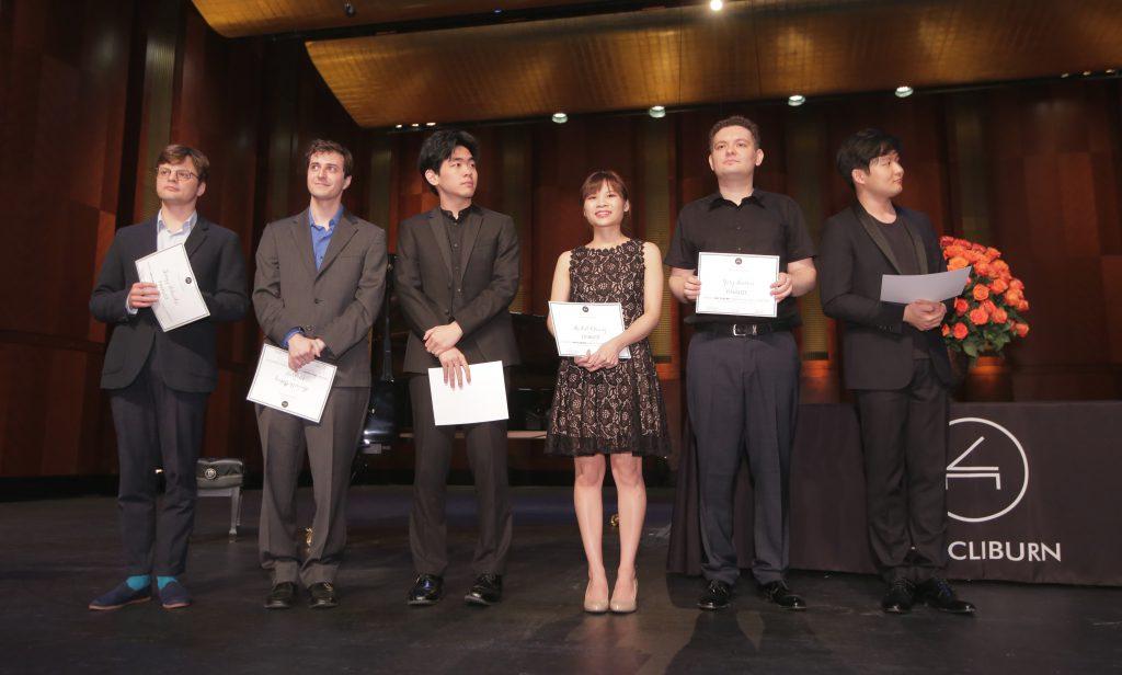 Van Cliburn International Piano Competition 2017決賽六名鋼琴家,只有張緯晴一位女性。