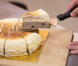 牛乳曲奇千層蛋糕 // 每次推出新口味後,客人都會提出意見,店主從中改良。($288)