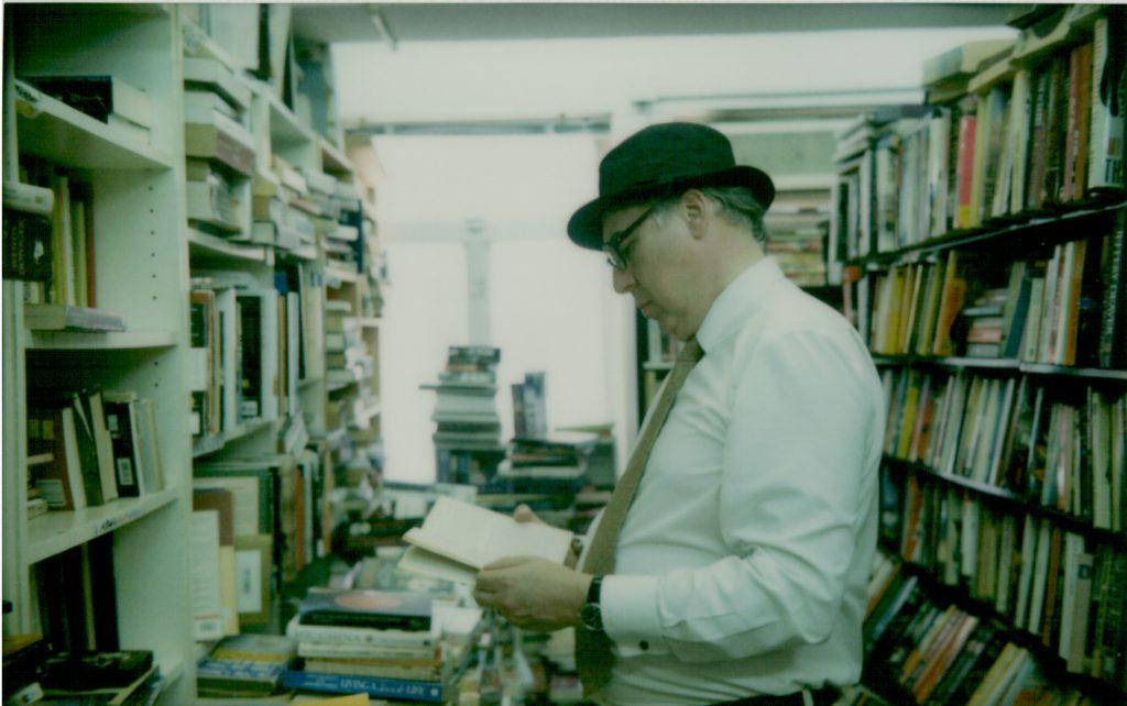 Flowbooks多年來積存許多珍貴的書籍,吸引不同人前來。圖片由熟客Albert所攝。
