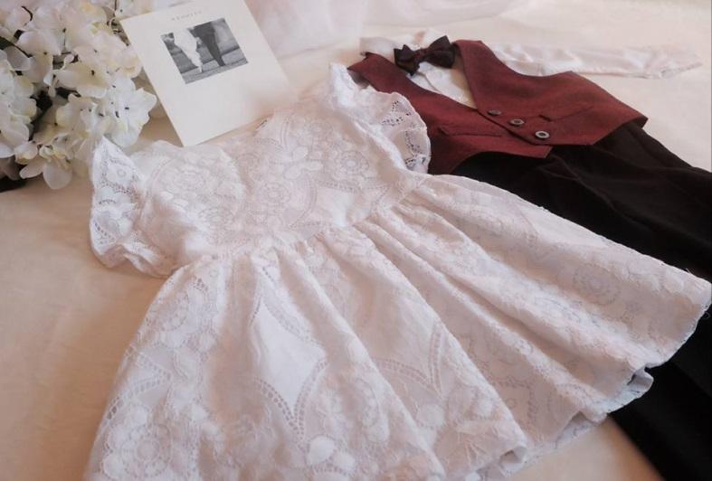 (左)Carter's 針織蕾絲純白宴會裙 $259 (右)Perry Ellis 煲呔、西裝背心、恤衫連西褲套裝 $279