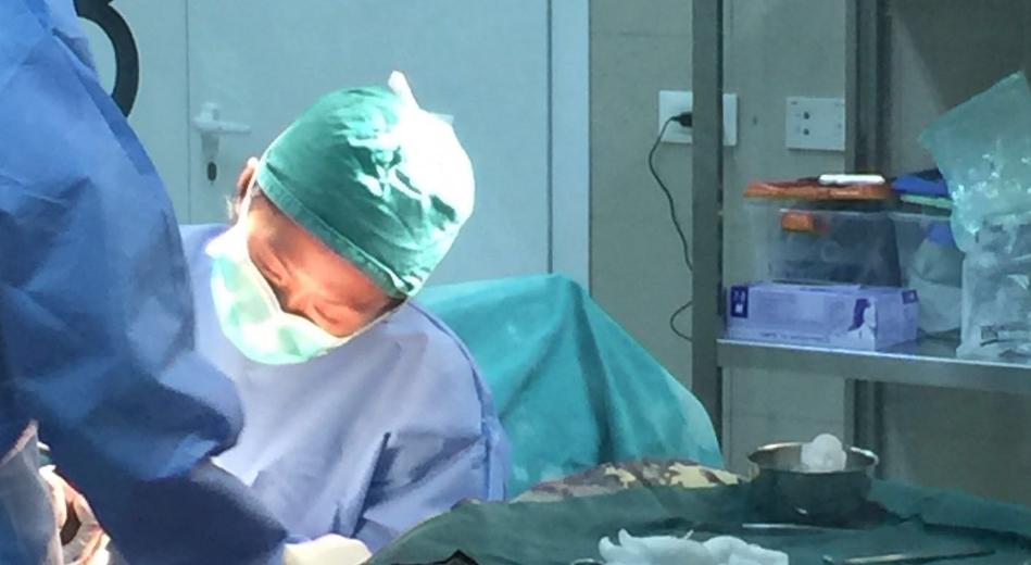 吳文倩表示,在塞拉利昂有很多時間可以在手術室工作,在香港反而較少機會。