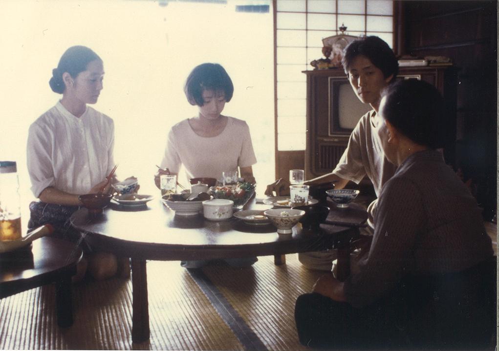 河瀨於1997年拍攝首部劇情片《萌之朱雀》,獲得康城影展的金攝影機獎。