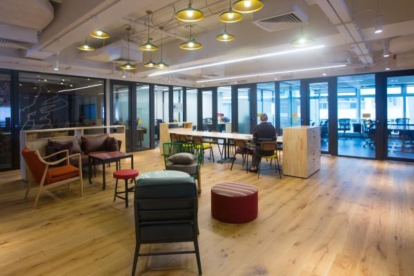 總面積五萬多平方尺,最多可供八百人同時辦公,同時亦是社交和休憩的空間。
