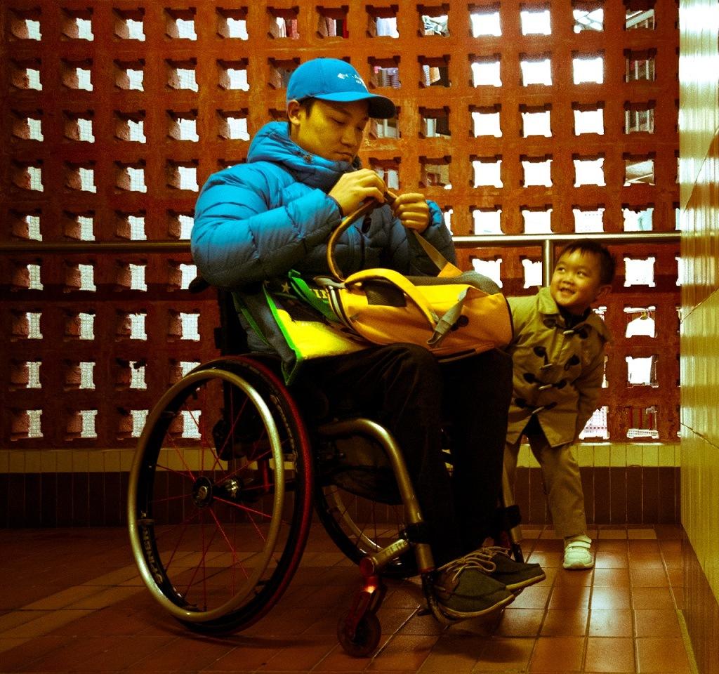 黎志偉出事時,太太正懷有身孕。兒子現已六歲,他希望兒子不會因自己坐輪椅而自卑。