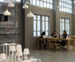 室內空間佈置和擺設都盡量使用泰國設計產品,十分支持本土創意。