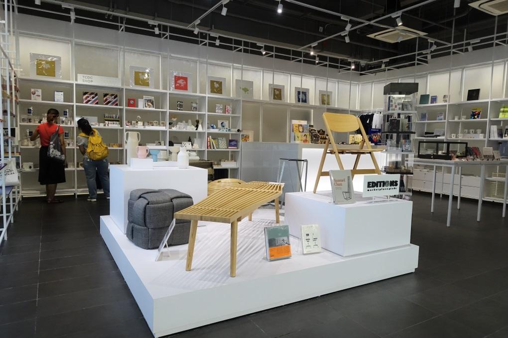 製成品誕生後,能在一樓的設計精品店出售,測試市場反應。