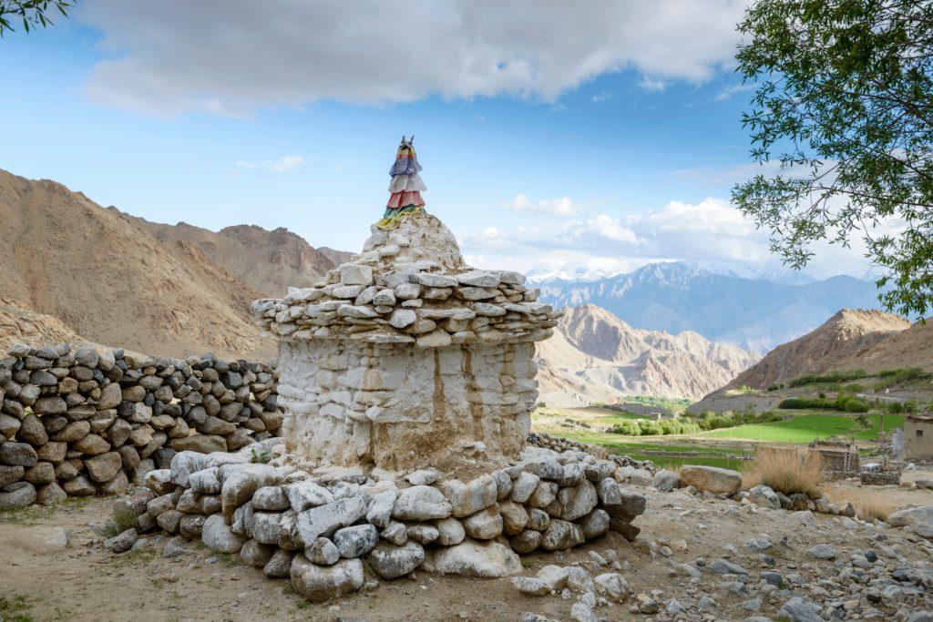 冰塔以佛教建築物佛塔命名,圖為拉達克Phyang Valley傳統石佛塔。