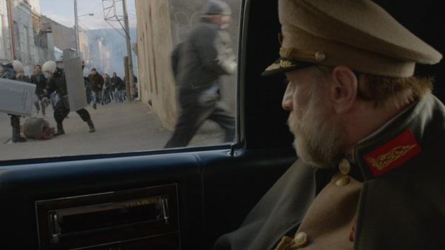 麥馬巴夫面對多年的禁絕與流亡,仍不盲目相信革命。因此在近作《總統大人著草了》(2014)展示革命與獨裁者兩方的暴力。