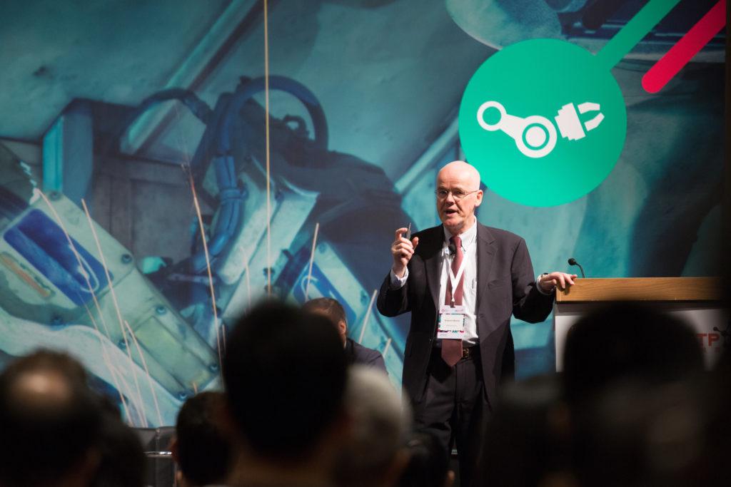 Robert Morris在科學團的亞太創意高峰會中演講