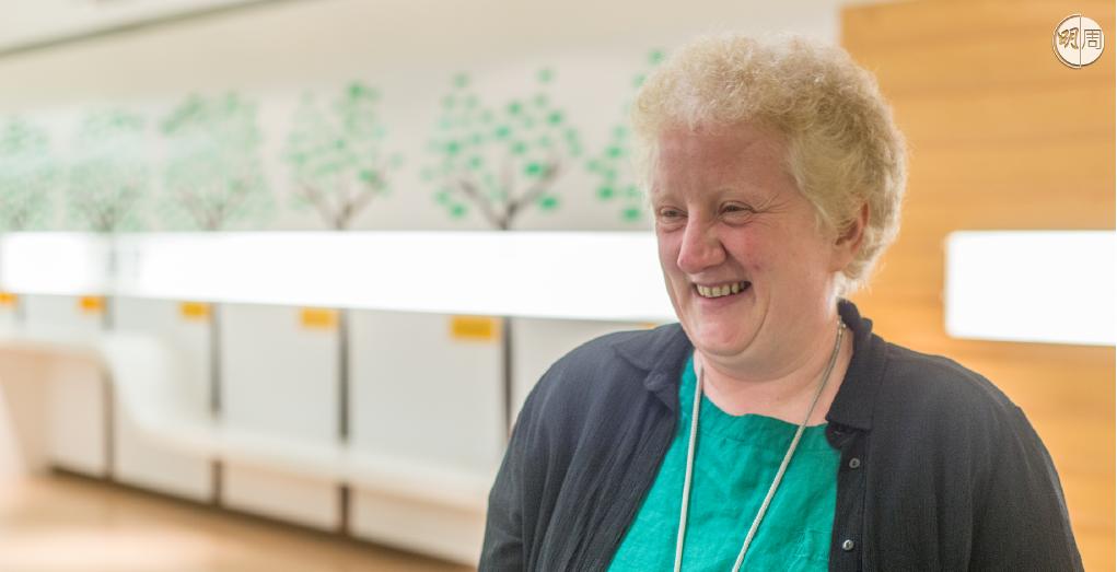 與Shelly Newstead訪問時,總會見到她哈哈大笑的樣子。