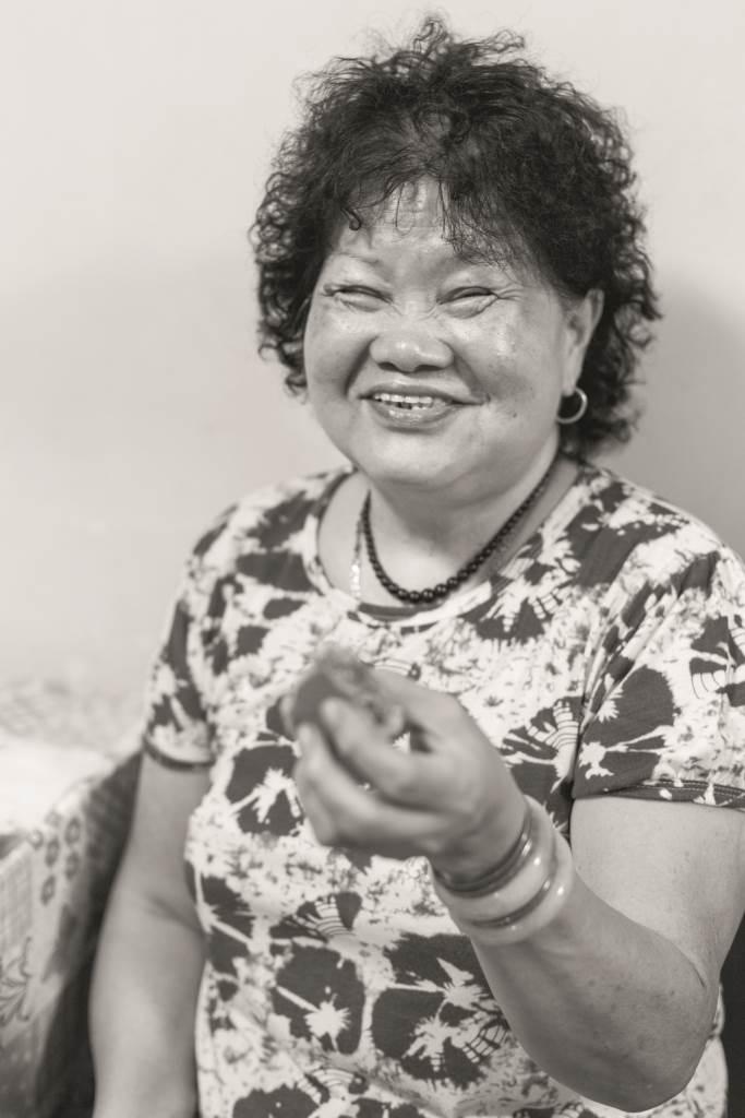 越南華僑丁華過中秋最愛吃五仁冬瓜月,如果內藏爽口的冰肉,噢,她定必吃不停口。