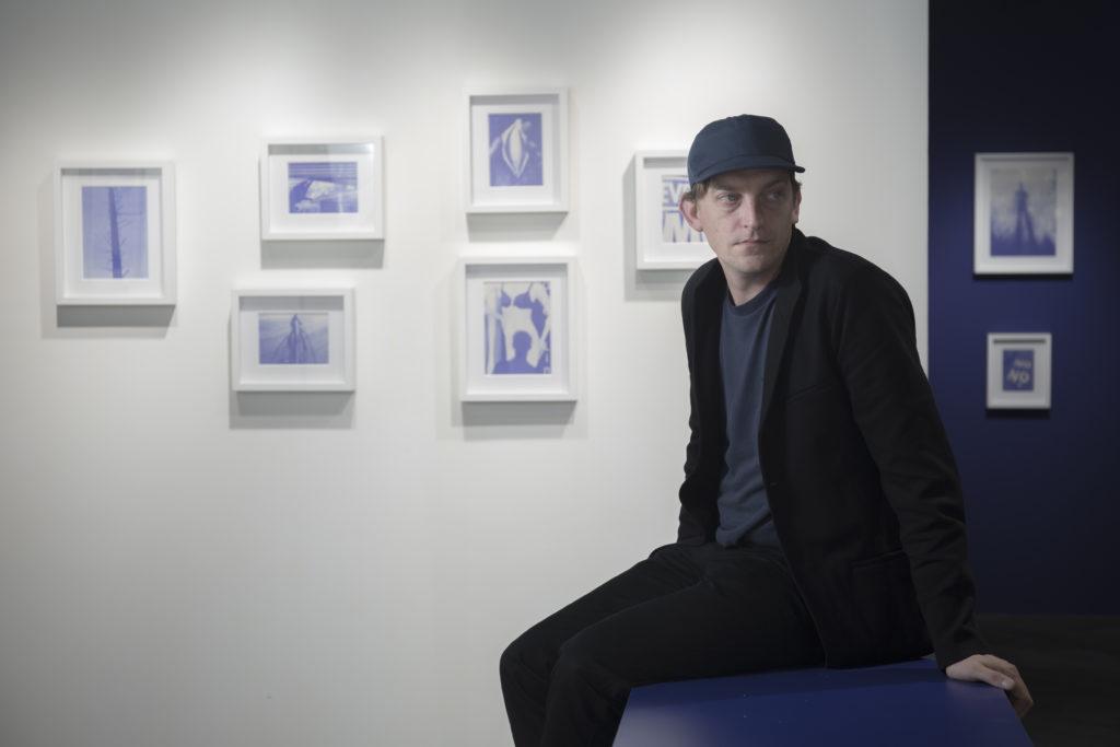 Tim在學院中接觸到不同攝影大師,如Robert Frank、William Eggleston的作品,對他的後來作品影響甚大。