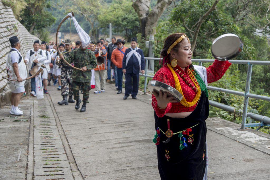 一路巡遊上山,吹打奏樂,每兩三個月,或每逢傳統節日,他們就會來一次小型慶典。