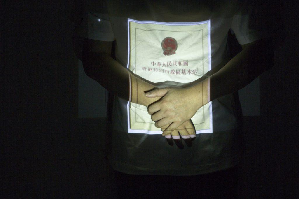 湯家驊認為,1999年的吳嘉玲案的人大釋法,對香港法治最大衝擊。