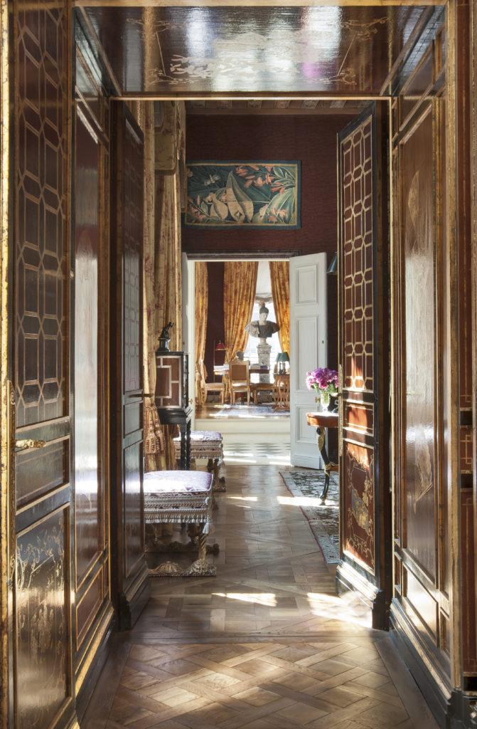 在室內裝飾加入中式元素,和空間融合一體。