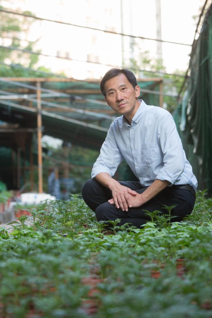 姚松炎認為香港做環保最困難是找到合適的地方,例如可以供民間設立垃圾站或二手傢俬倉庫的地方。