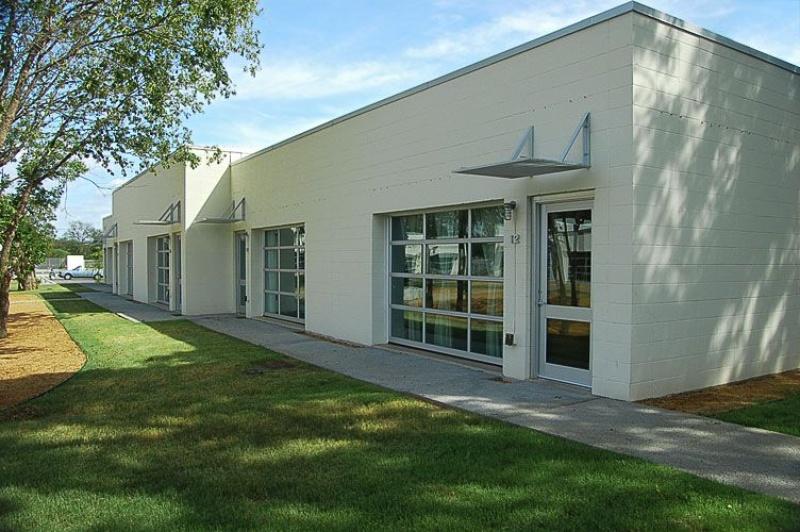 ThinkEast 由當地發展商Richard deVarga 領軍,圖為 Richard 此前的另一個奧斯汀項目 Cobra Studios 的房屋外觀。