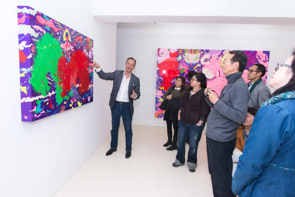 Dominique坦言九成以上的生意都不是來自日常的參觀者,他認為大多藝廊其實歡迎大眾參觀,因為這才能製造出對藝術友善的社會風氣。